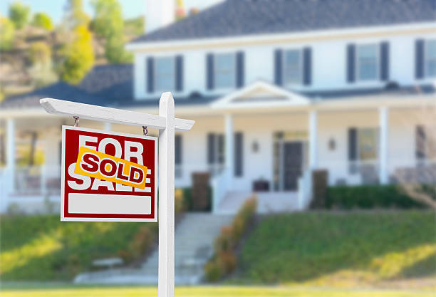 Advantages of Selling a House to Real Estate Investors